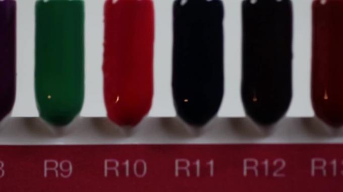Royal Gel színek palettán – Crystal Nails